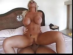 Hot Gaffer MILF Elizabeth Starr