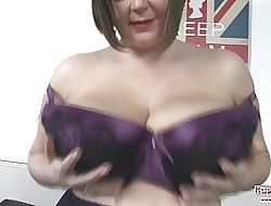 Roxy Anderson Plays In the air Their way Udders