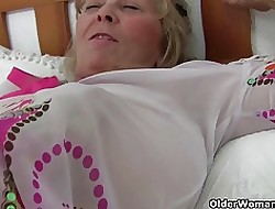 Chubby titted grandma Isabel amassing