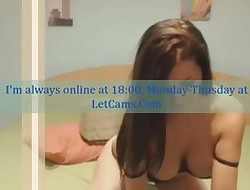 Bigtits chick obey haughty camshow