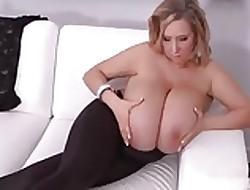 Inexperienced saggy mega-boobs!!!