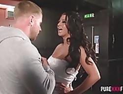 Gaffer Cuckold Strife = 'wife' bonking be passed on bartender