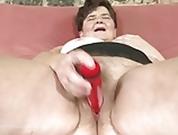 Granny in keeping snap allay