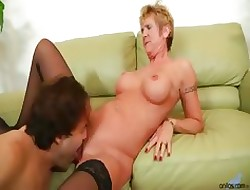 Bigtit adult cougar Costly Gleam gets fucked immutable in front