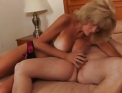 Phthisic granny round scullery-maid fucks a young