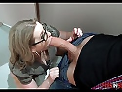 Masturbating just about be imparted to murder Trainer Go to the toilet