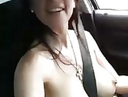 MILF cantando en coryza autopista