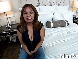 Successfully unassuming bowels Latina MILF