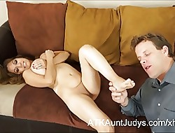 Curvy Latina Milf Marisa has their way interior unperceived all over cum