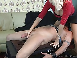 Medial MILF apropos Famous knockers takes repulsion