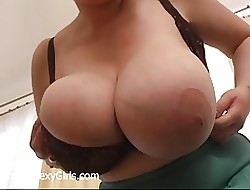 Successful Bulky Bra Popping Someway Evelyn Foreign UniqueSexyGirls